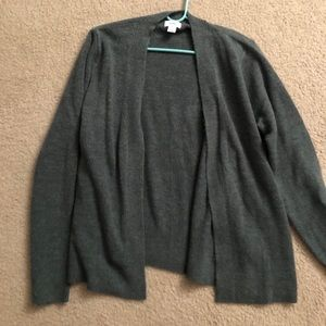 Lovely old navy sweater size large